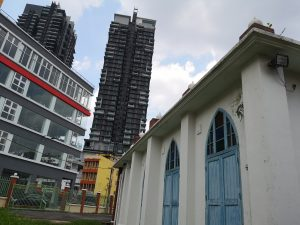 Masjid Jamiul Ehsan Mosque, the condominiums across the Pahang road was the old location of the Masjid Jamiul Ehsan Mosque